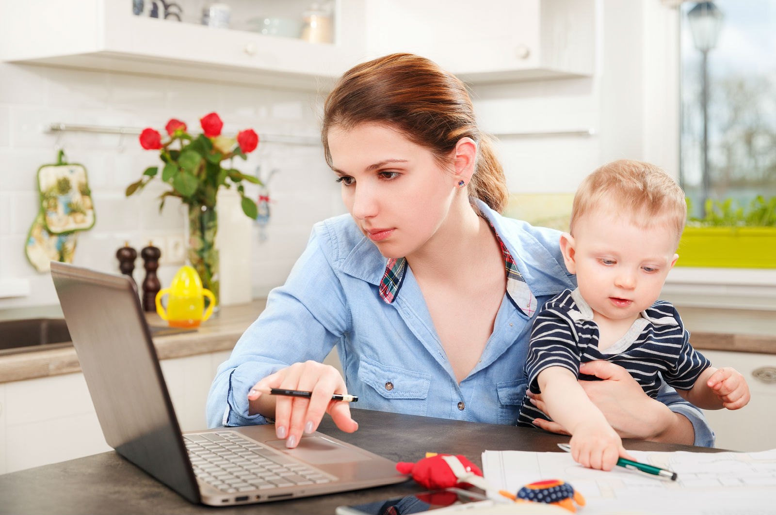 Three Viable Side Hustles For Stay-At-Home Parents